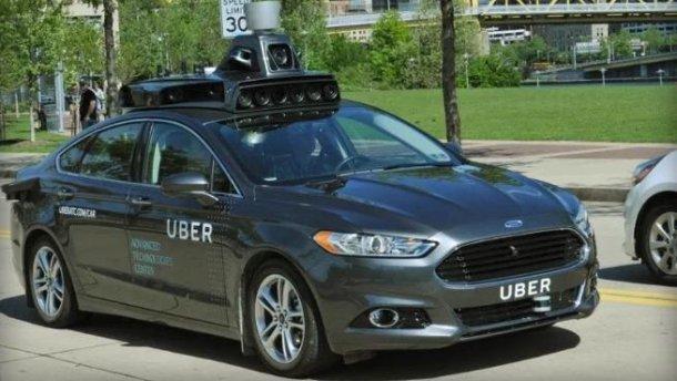 В США беспилотное авто Uber насмерть сбило женщину