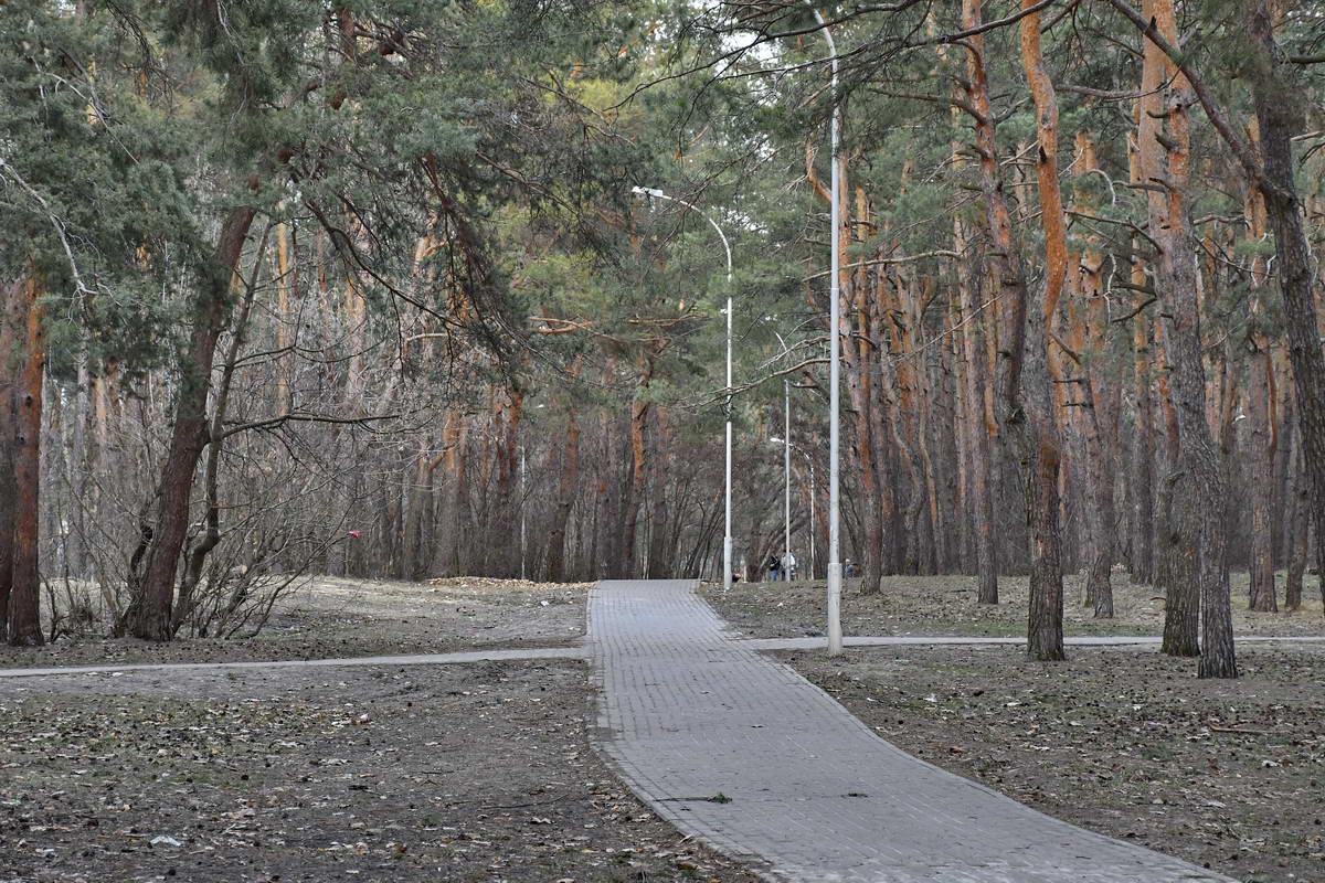 Скоро в парке установят пять уникальных фонтанов в виде арок,символизирующих пять лет партизанского движения во время Второй мировой войны