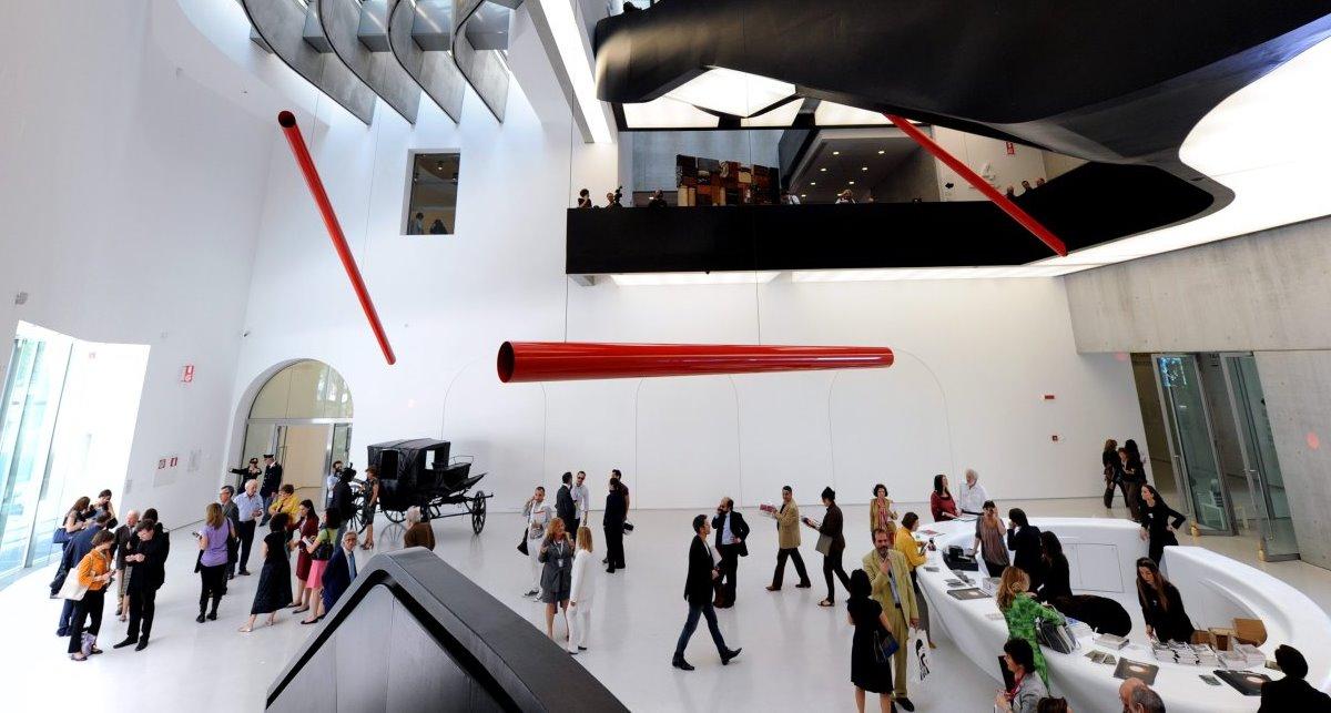 Строить современные музеи в Киеве