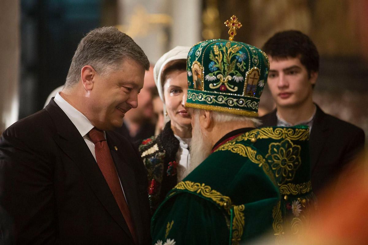 Президент побывал во Владимирском соборе