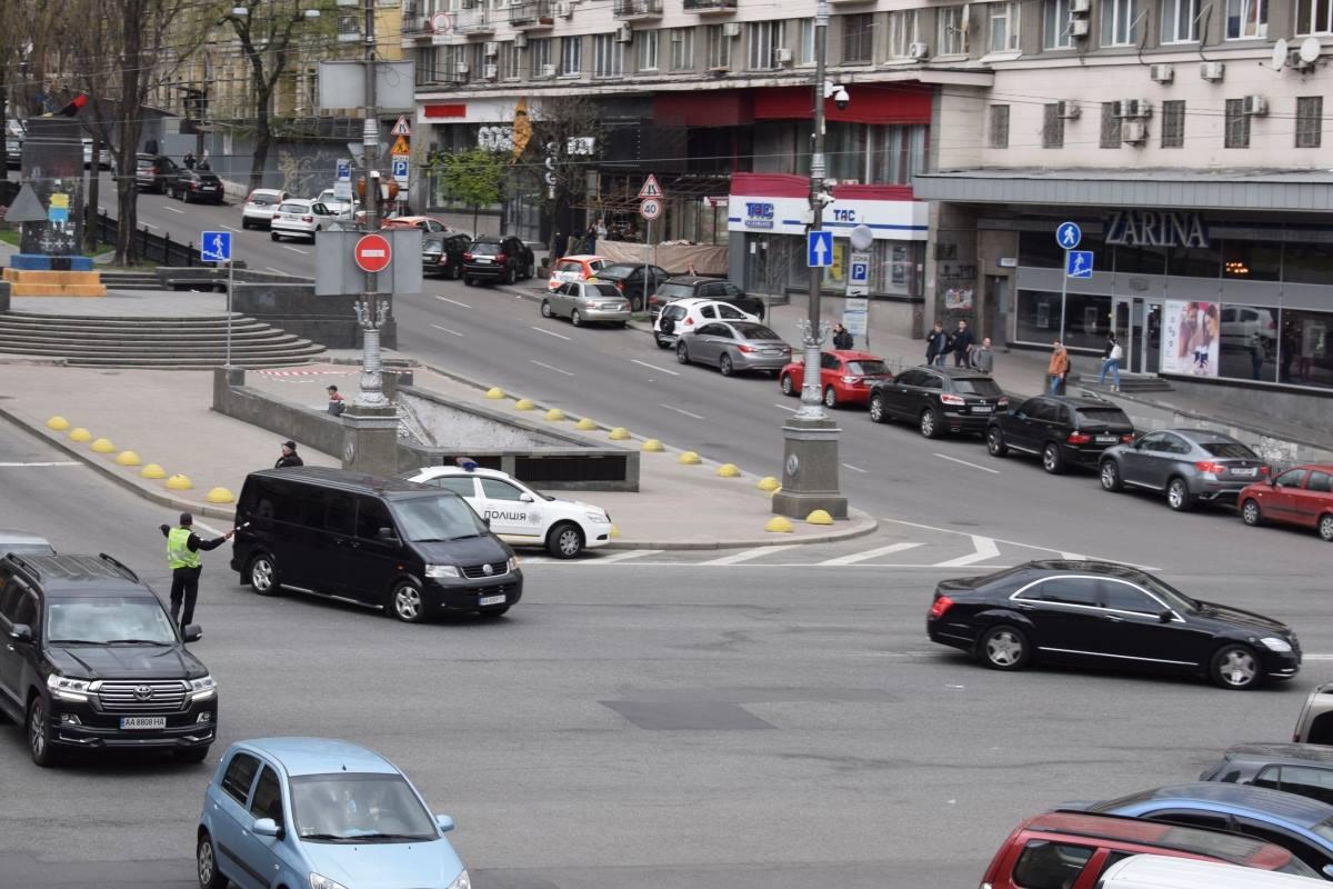 Главную дорогу столицы закрыли для движения