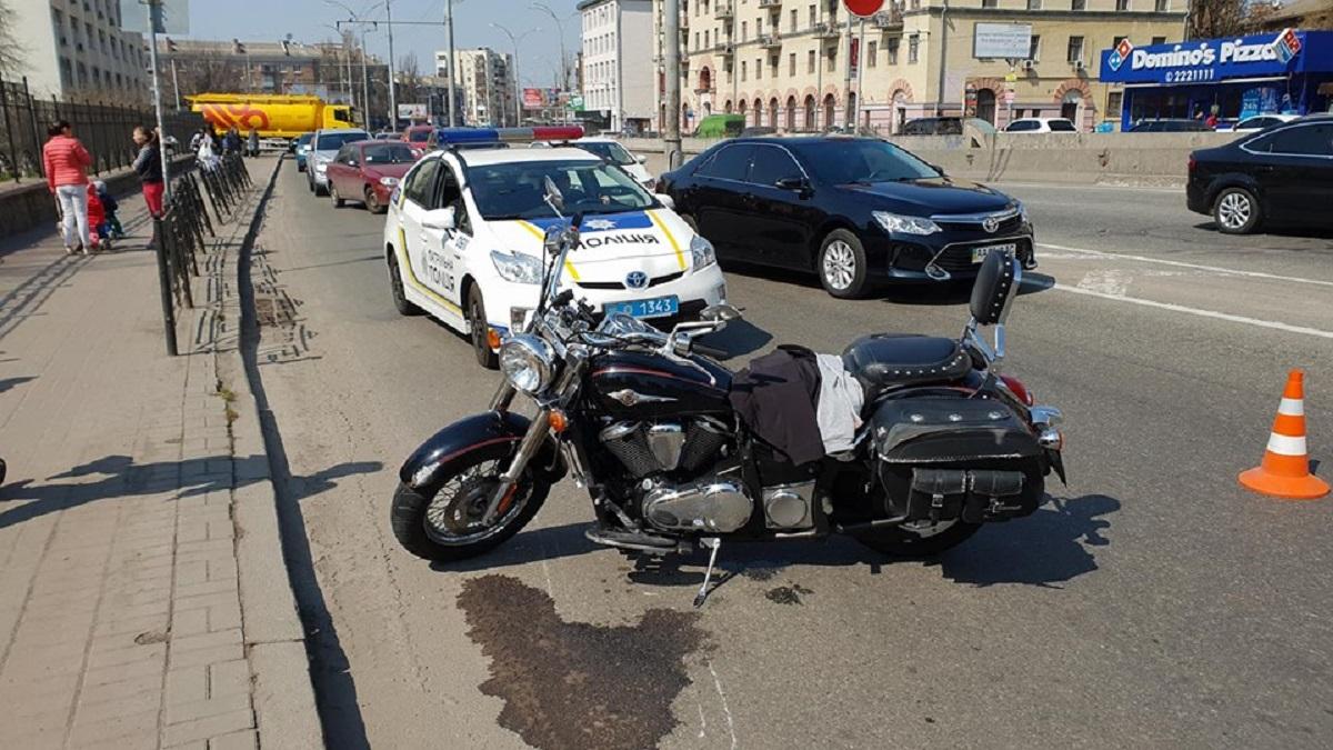 Из-за аварии образовалась огромная пробка в сторону Севастополькой площади