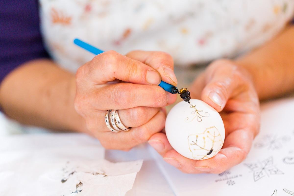 Способов, как разукрасить пасхальное яйцо, не один десяток