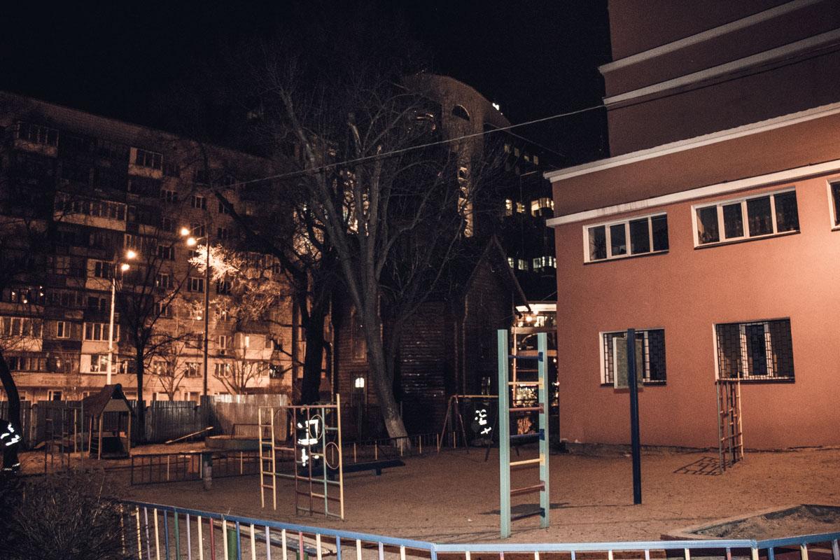 Возгорание тушили с территории детского садика
