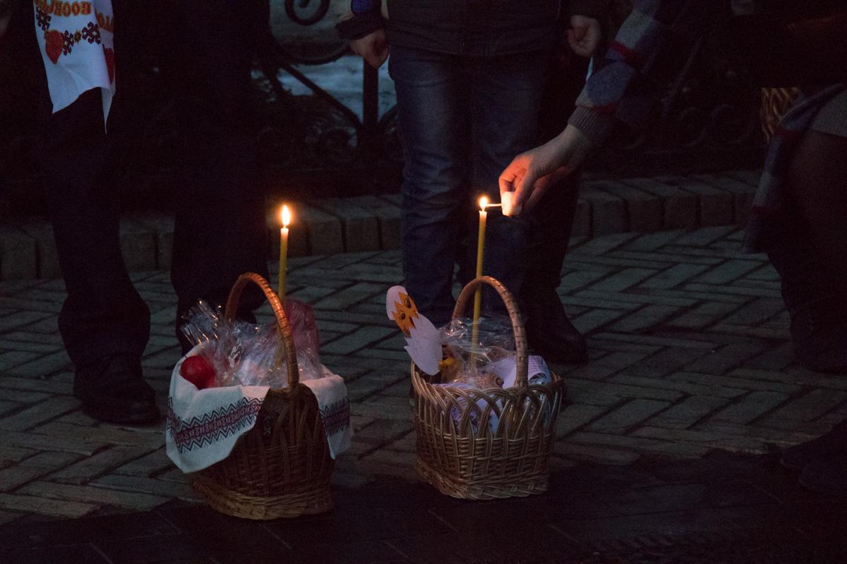 Свечи-обязательный атрибут праздничной корзинки