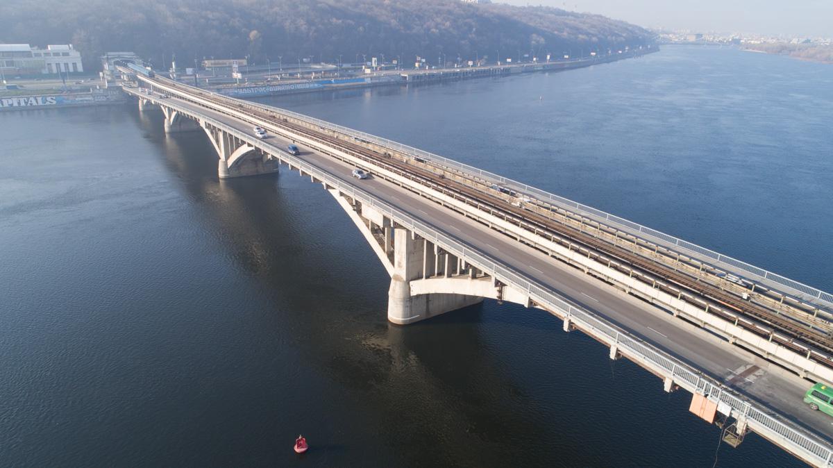В Киеве запланировали отремонтировать мост Метро