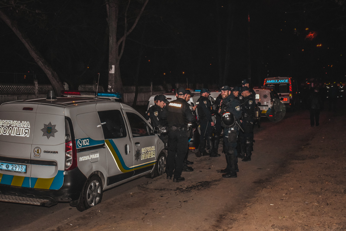 На защиту стройки прибыло много полиции
