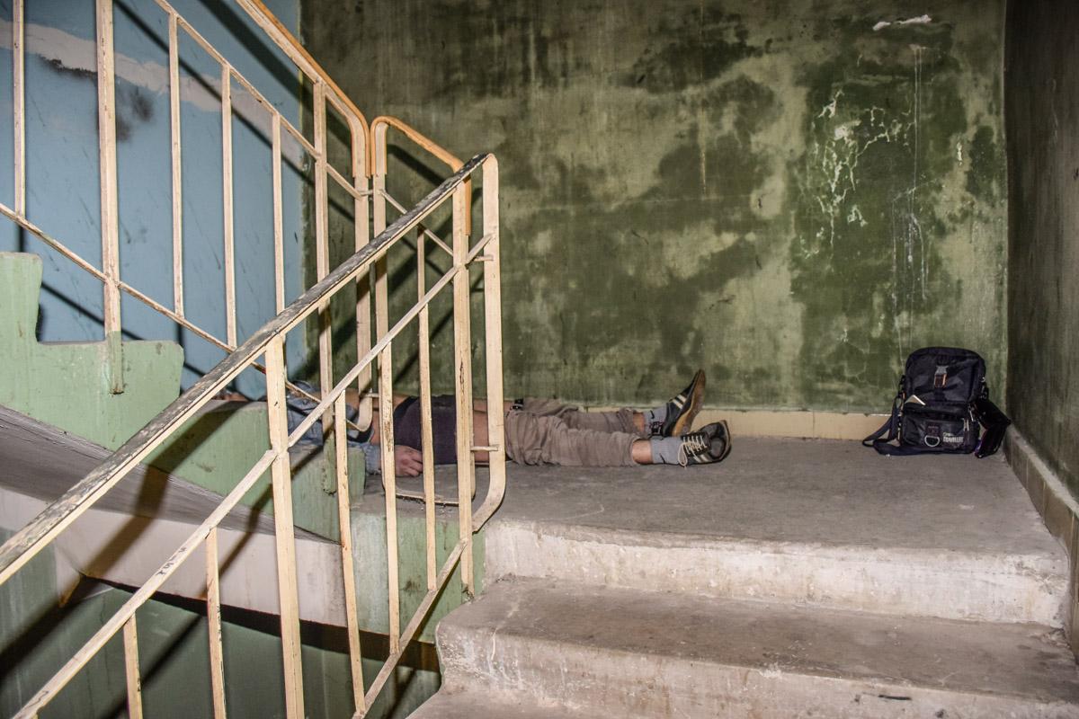 Трагедия случилась в подъезде по улице Чернобыльская, 18