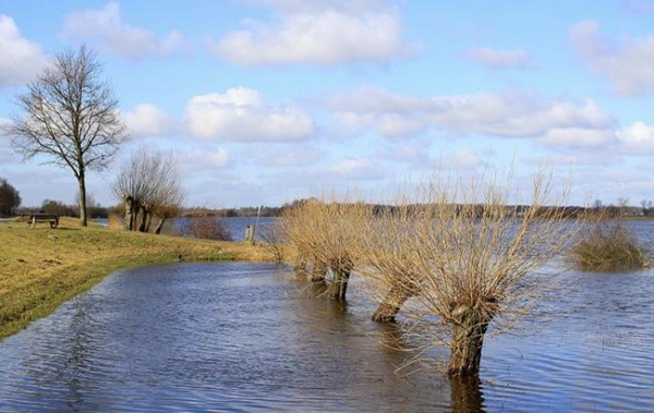 На водоемах Украины продолжается повышение уровня воды