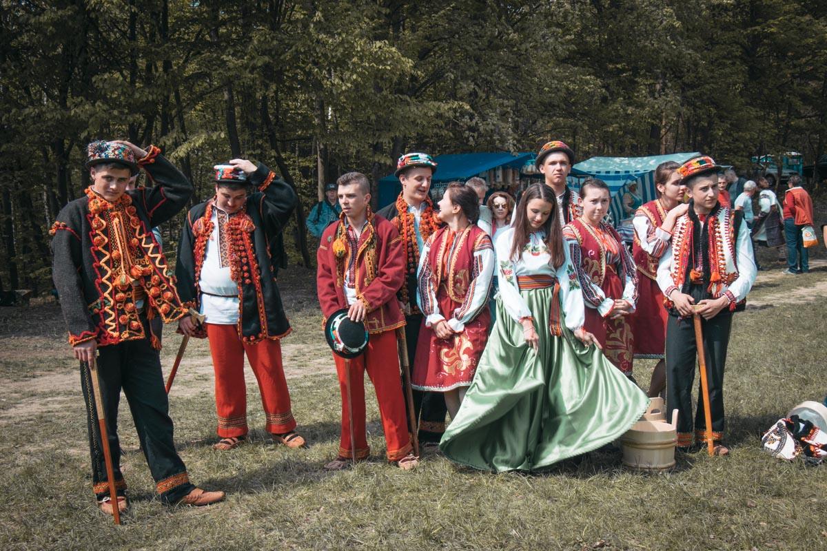 На фесте гуцулы представляли свои традиционные наряды