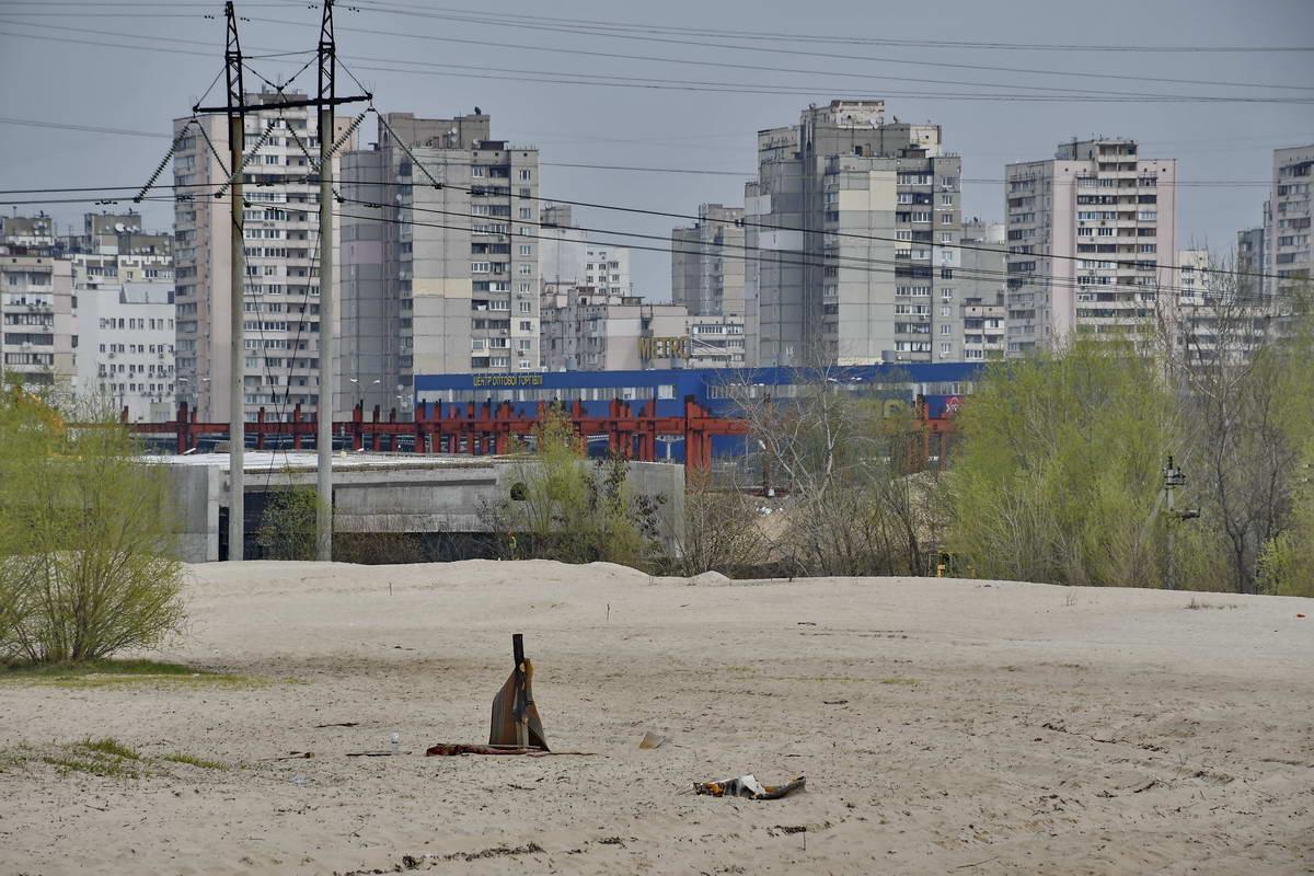 После кипящей жизни мегаполиса попадаешь в царство песков и тишины