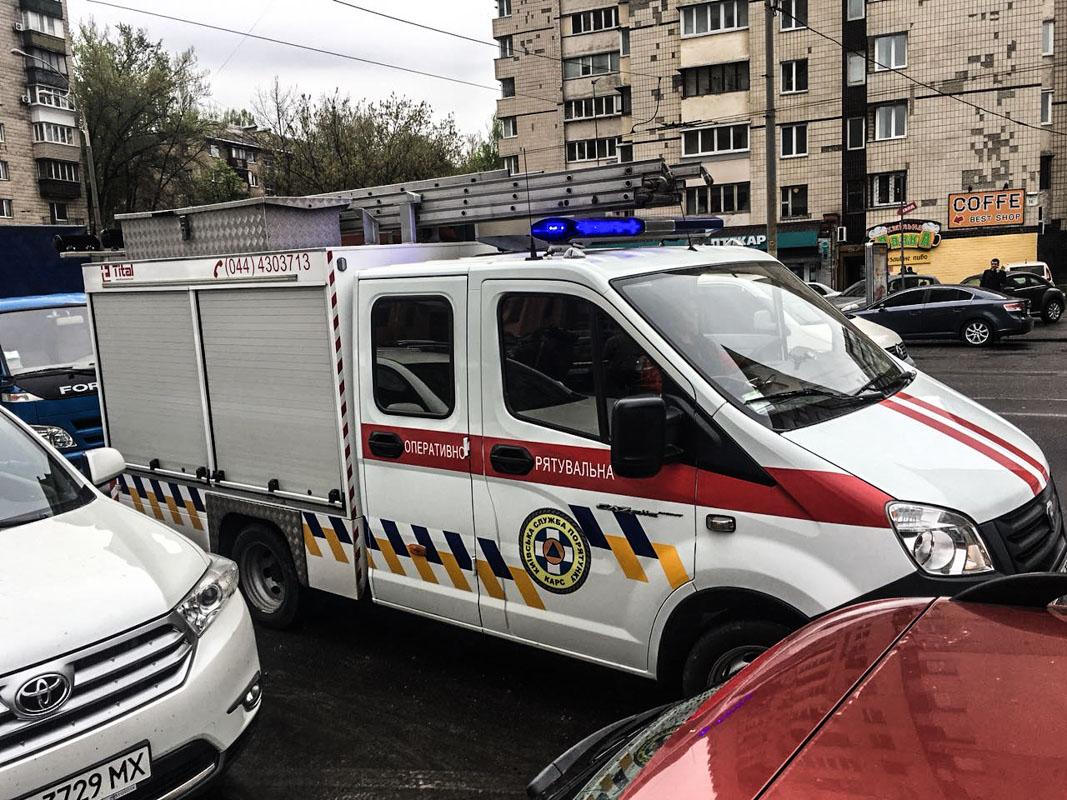 """На месте работают сотрудники полиции, коммунальщики """"Киевэнерго"""" и КАРС"""