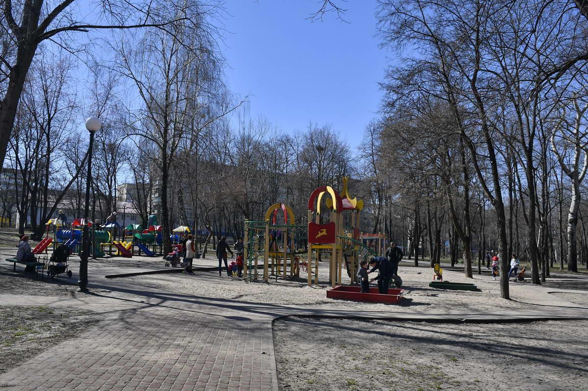 Детские площадки в парке всегда пользуются популярностью