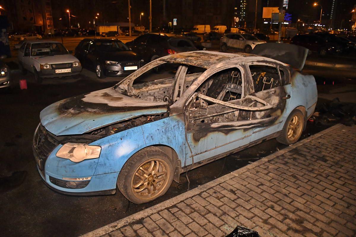 Volkswagen выгорел капитально