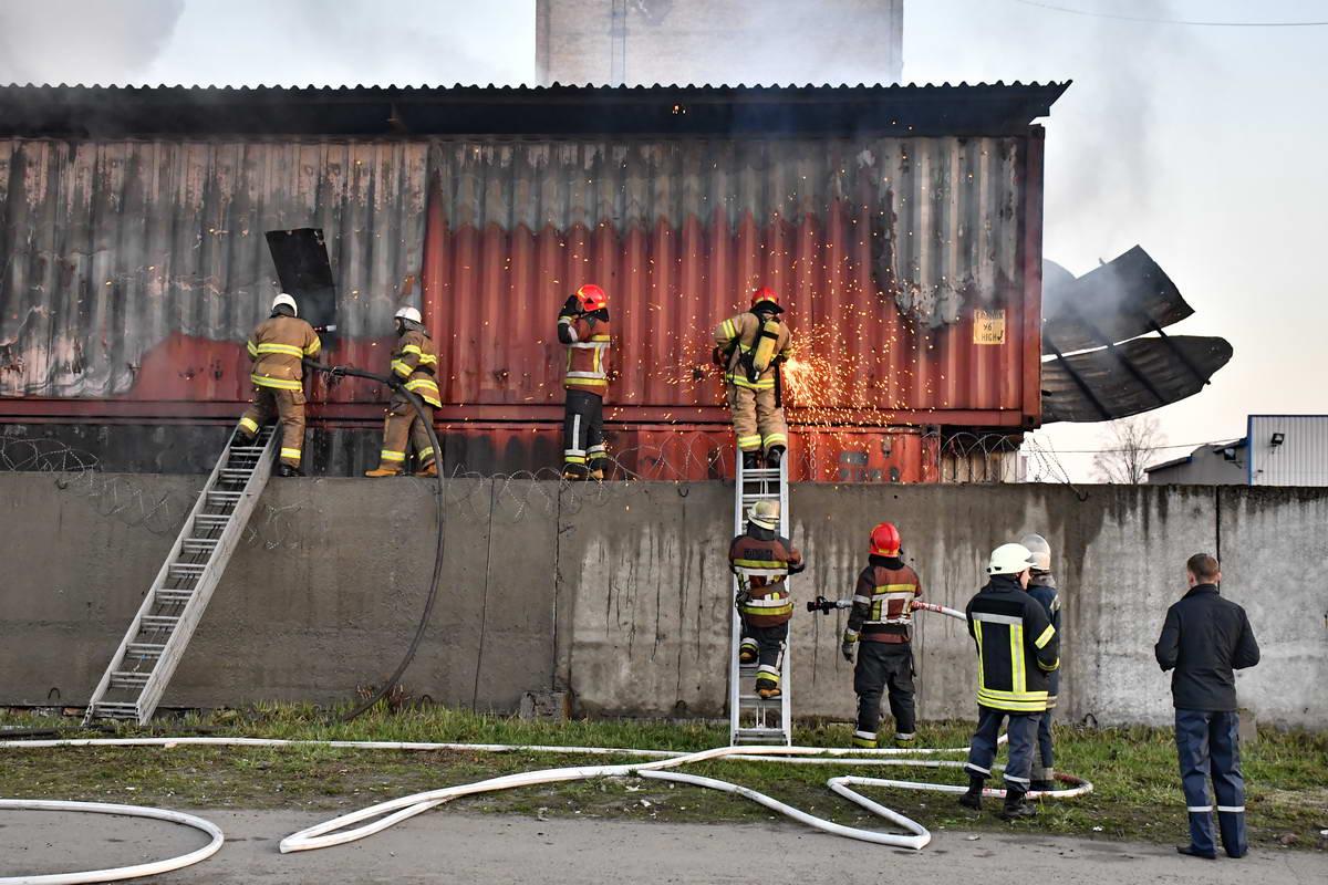 Площадь пожара составила около 500 квадратных метров