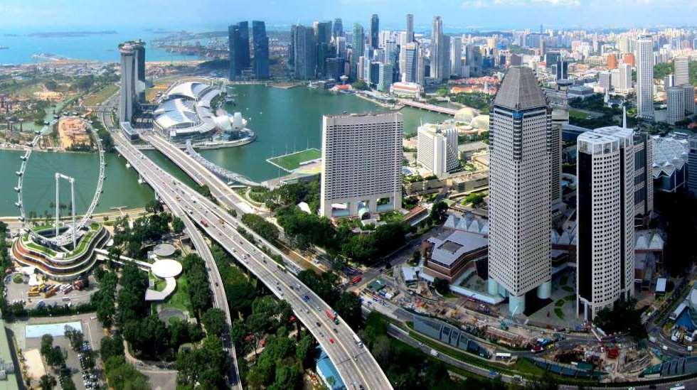 В Киеве построить скоростные трассы, разгрузить основные магистрали по примеру Сингапура