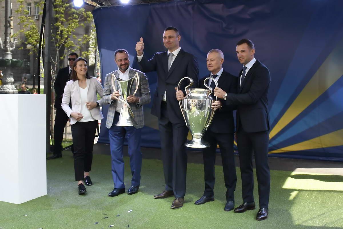 Кличко принял долгожданный Кубок Чемпионов