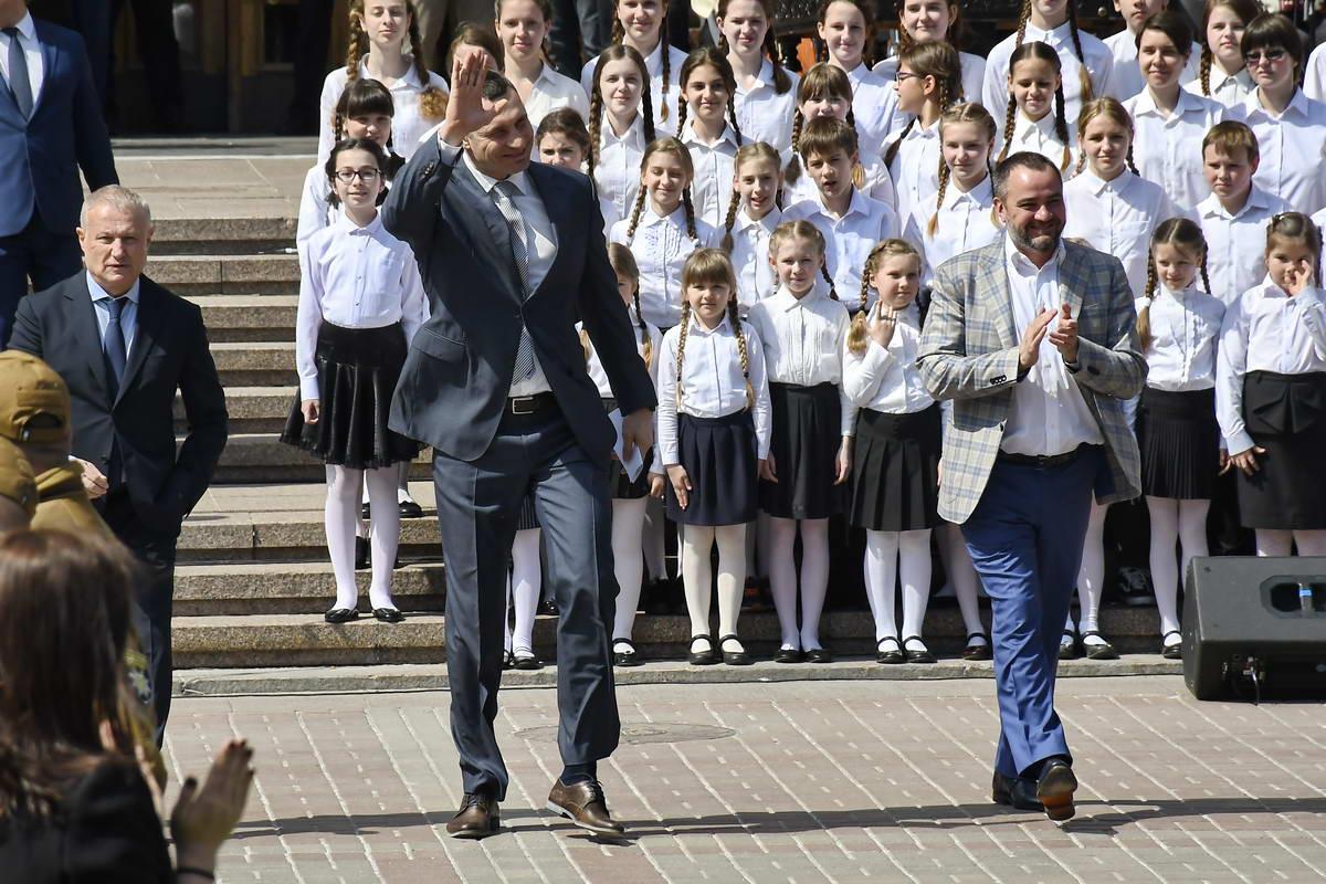 Молодые дарования пели гимн Лиги Чемпионов