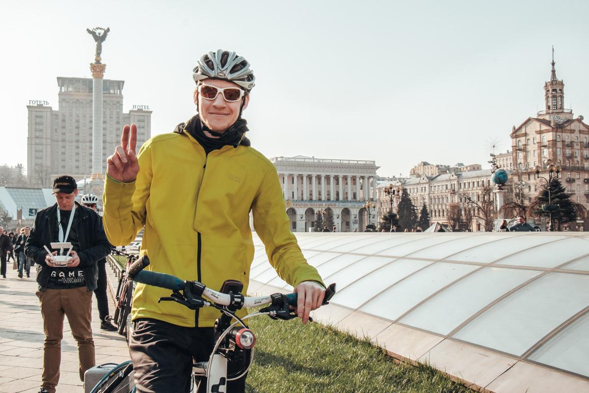Велосипедом на работу очень спортивно и полезно