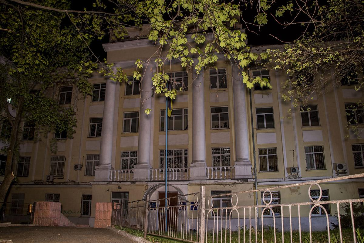 Корпус университета имени Драгоманова без студентов
