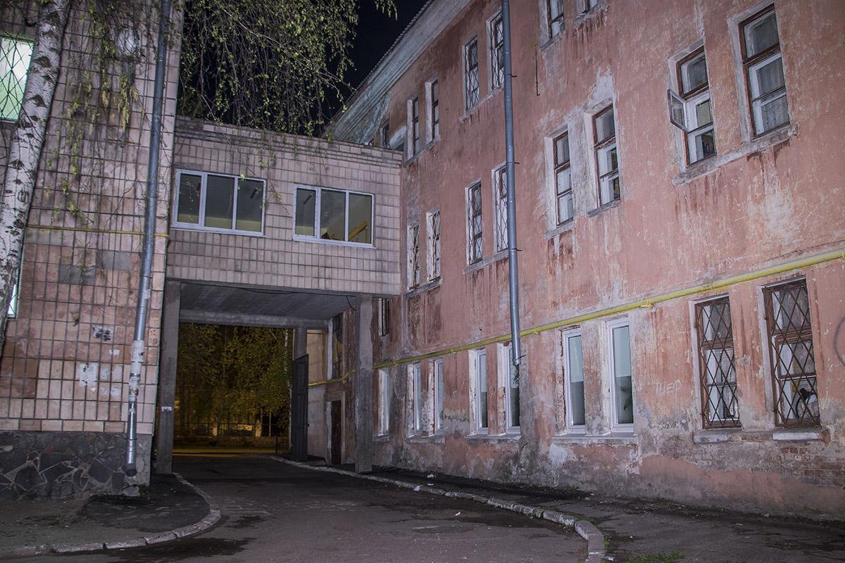 Старые здание выглядят немного устрашающе - общежитие КИСИ