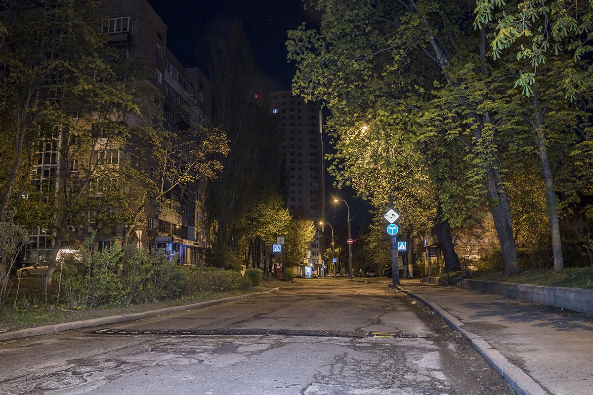 Безлюдная улица Университетская