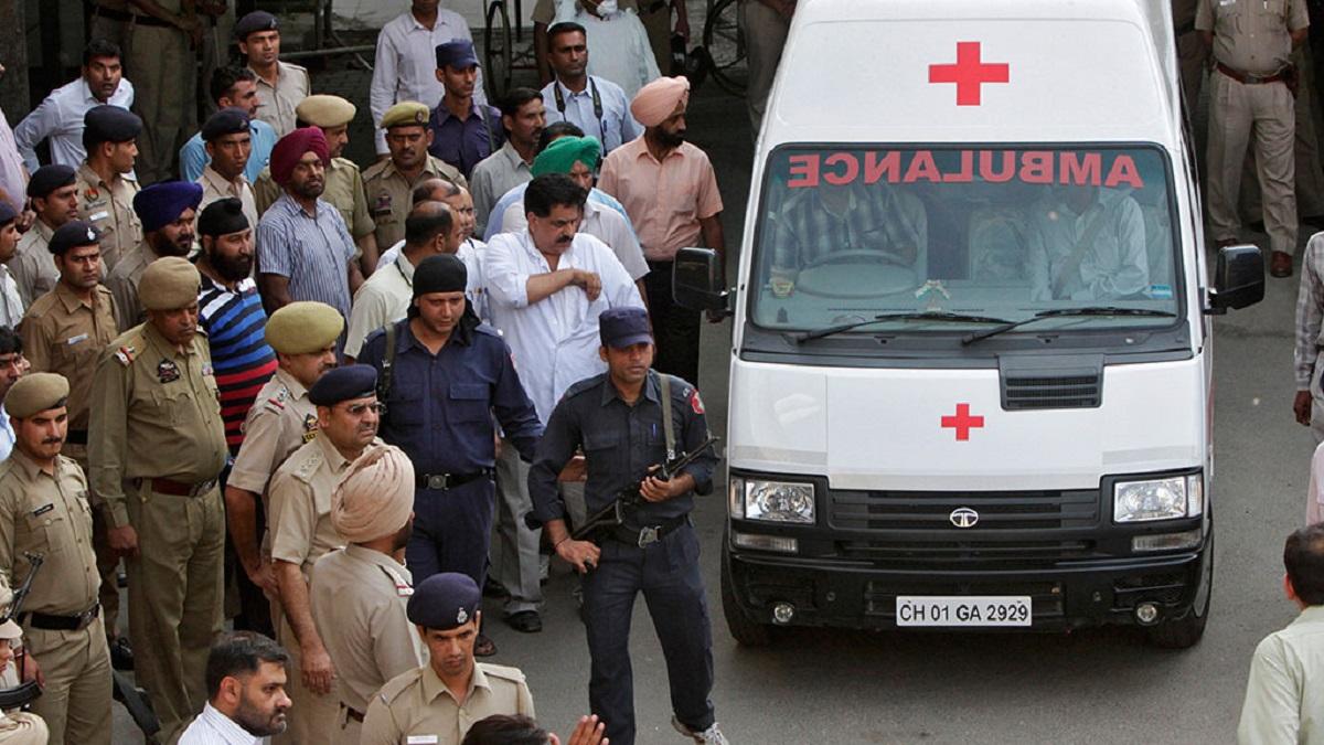 Во время беспорядков в Индии погибли 12 человек