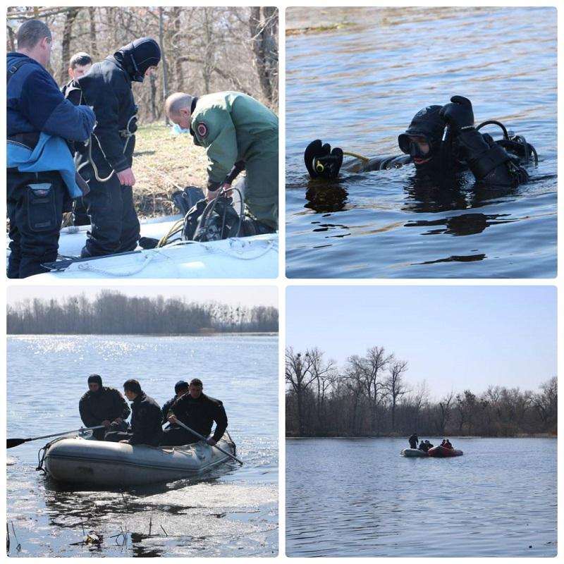 На острове Жуков водолазы обследуют реку в поисках троих мужчин, перевернувшихся на лодке