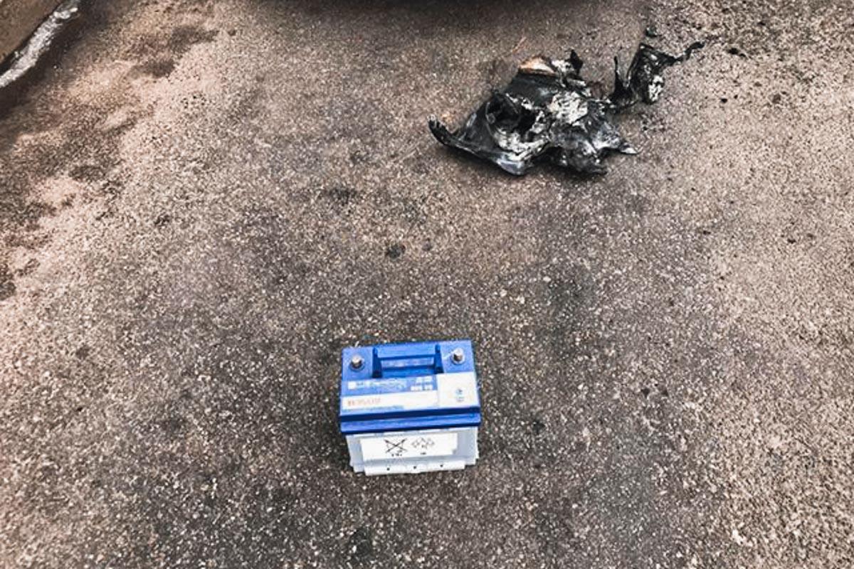 Аккумулятор был снят с авто