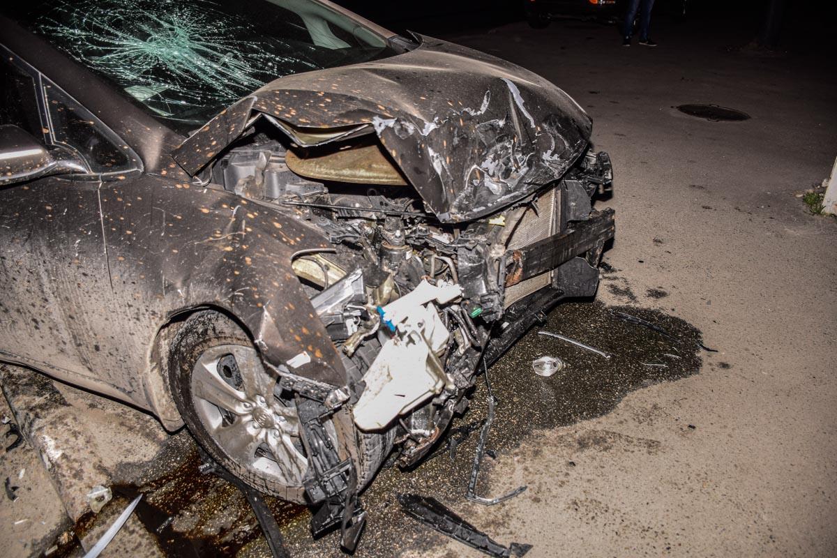 Водитель спешил в аэропорт и не увидел другой автомобиль