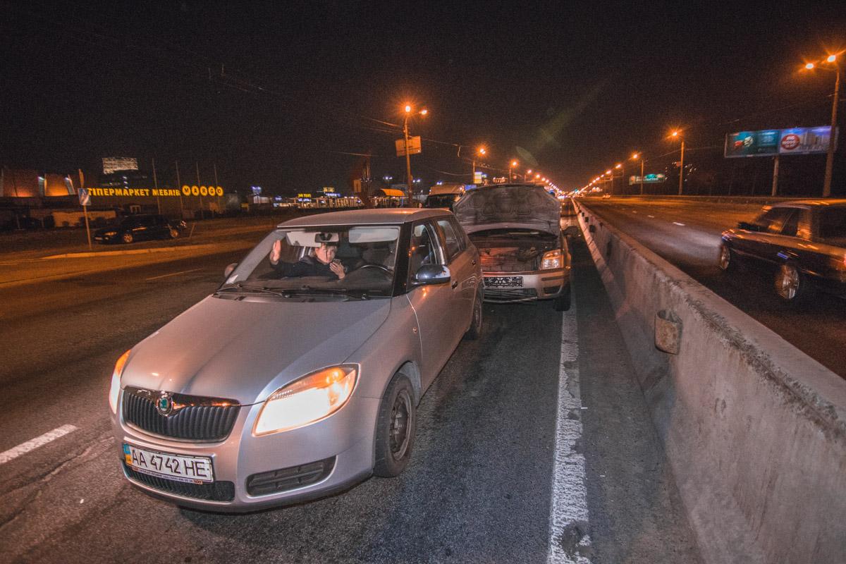 На проспекте Степана Бандеры произошло ДТП с участием четырех автомобилей