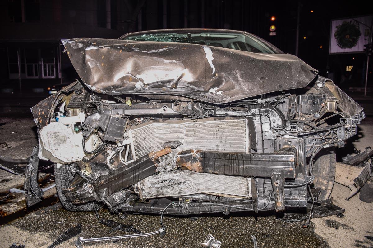 Машины сильно повреждены