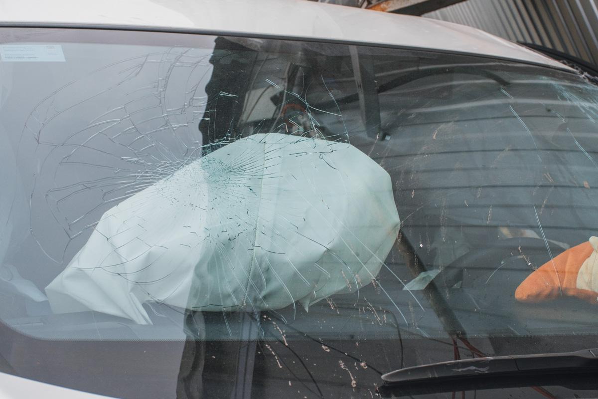 В машине сработали подушки безопасности