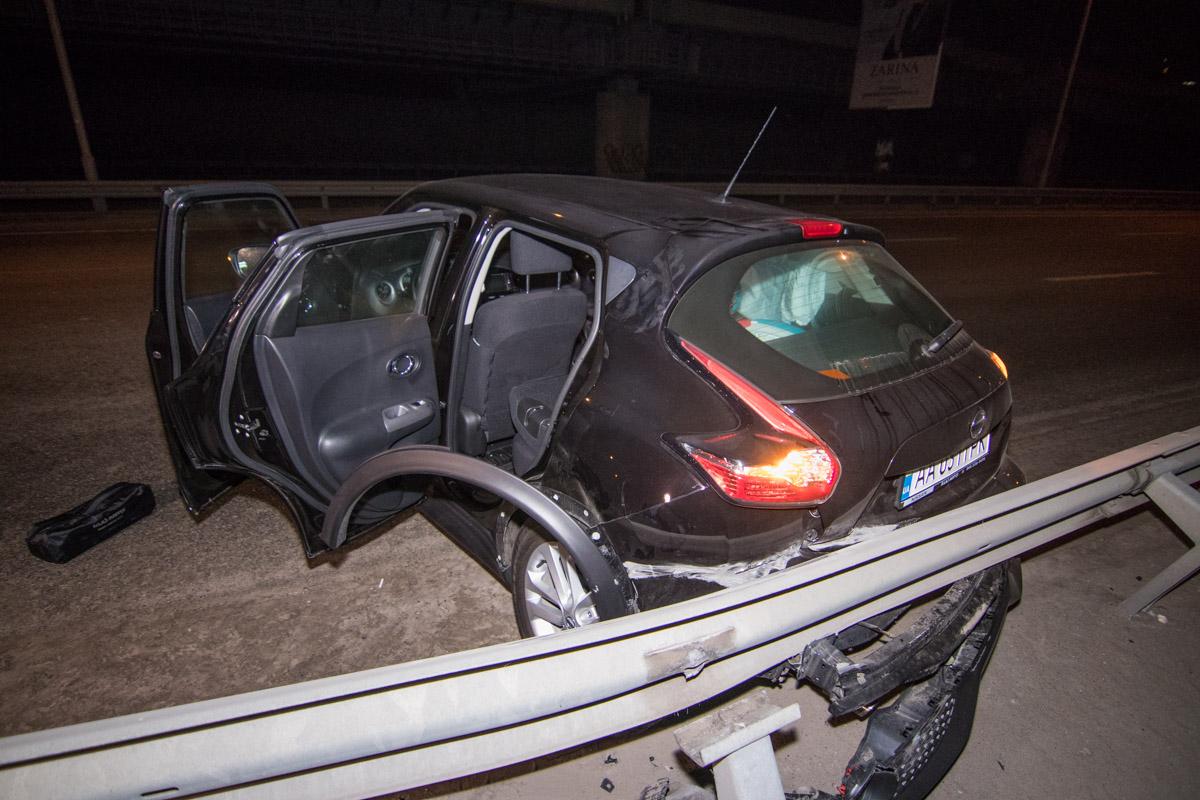 После столкновения, автомобиль проехал еще приблизительно 200 метров