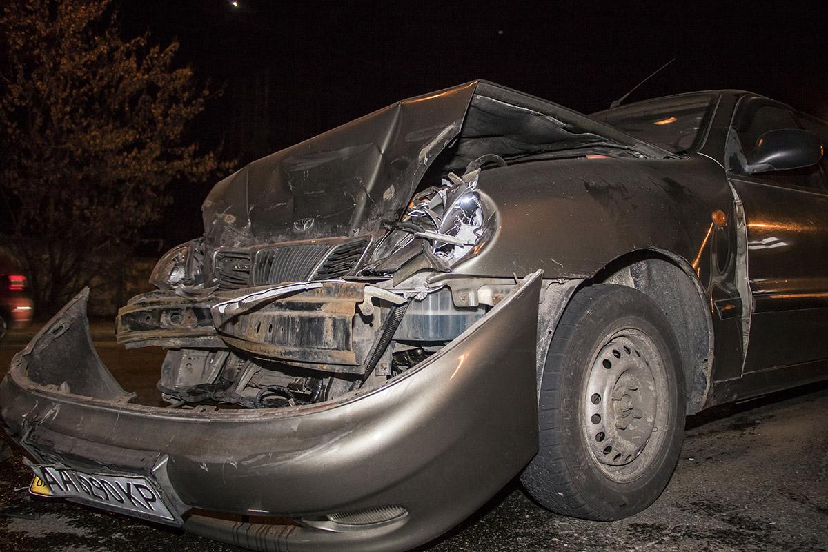 В Киеве на Академгородке столкнулись три машины
