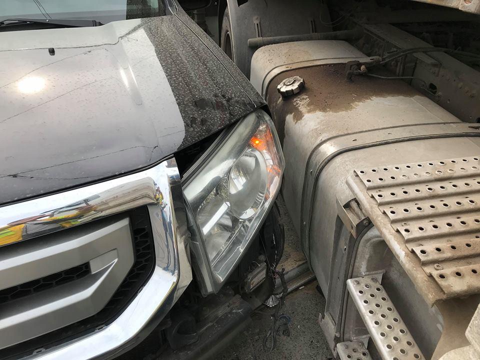 Авто получило легкие повержения передней части