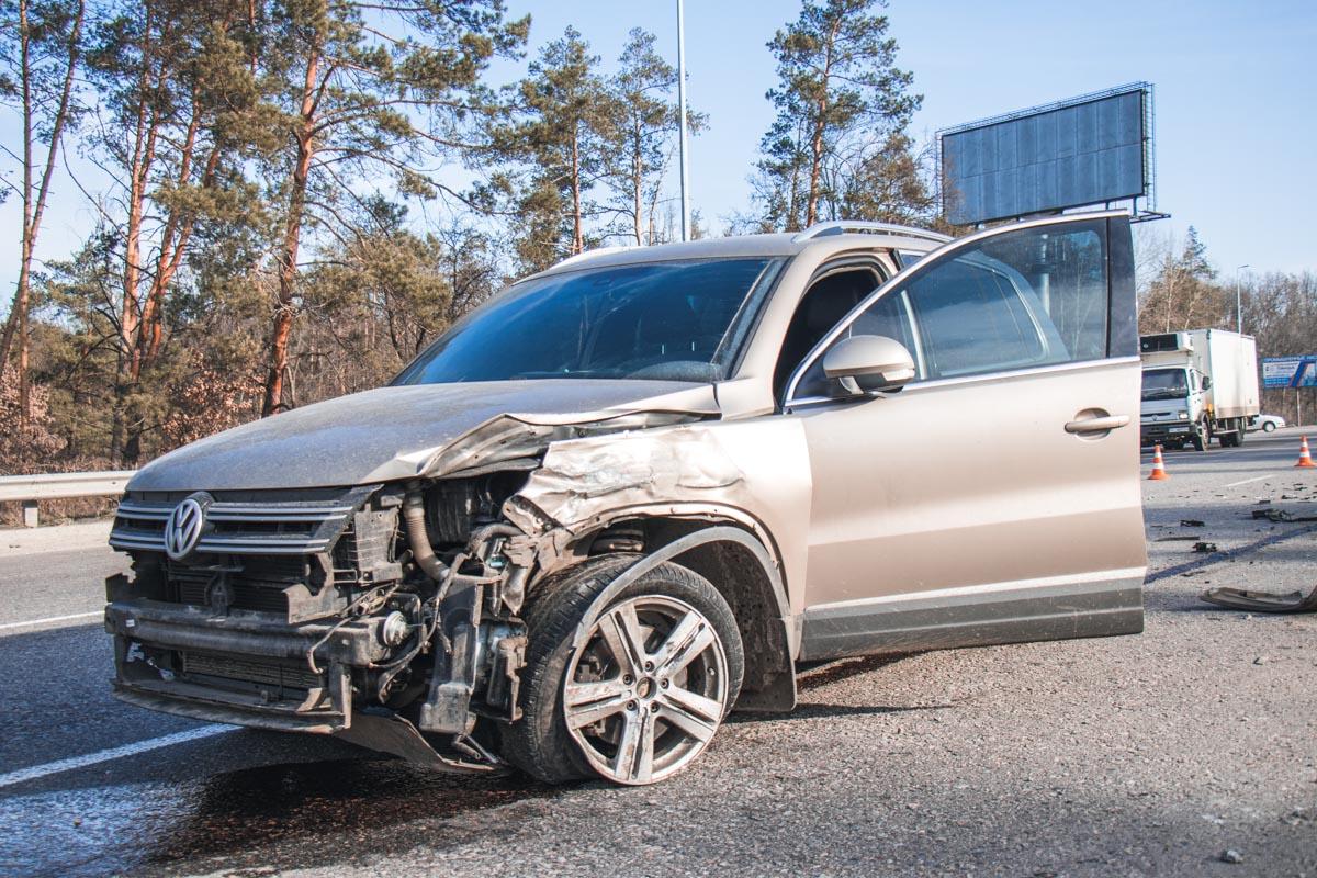 На Одесской трассе столкнулись Volkswagen, Hyundai и Nissan
