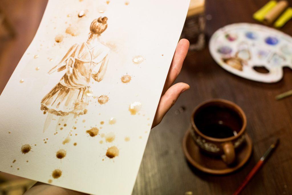 Кофейная живопись похожа на акварельную