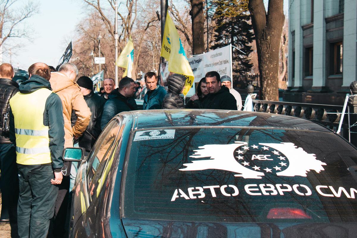 Автомобилисты просят убрать ограничения «Евро 5» на перепродажу машин и отменить акцизный сбор на машины с еврономерами