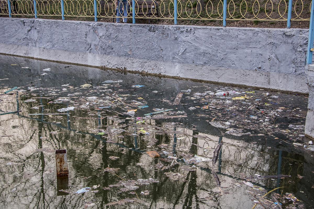 Местные жители рассказали, что после Пасхи количество мусора значительно увеличилось