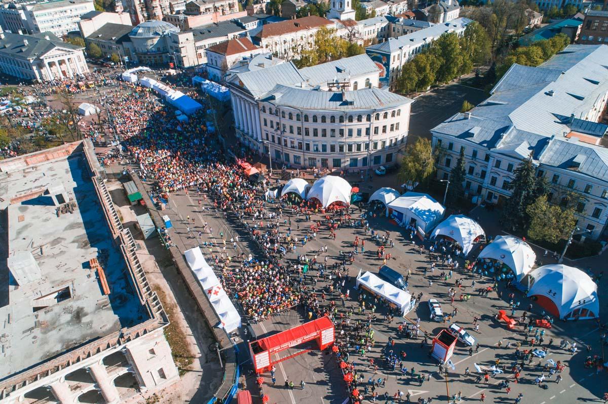 Самый массовый забег в Украине Nova Poshta Kyiv Half Marathon