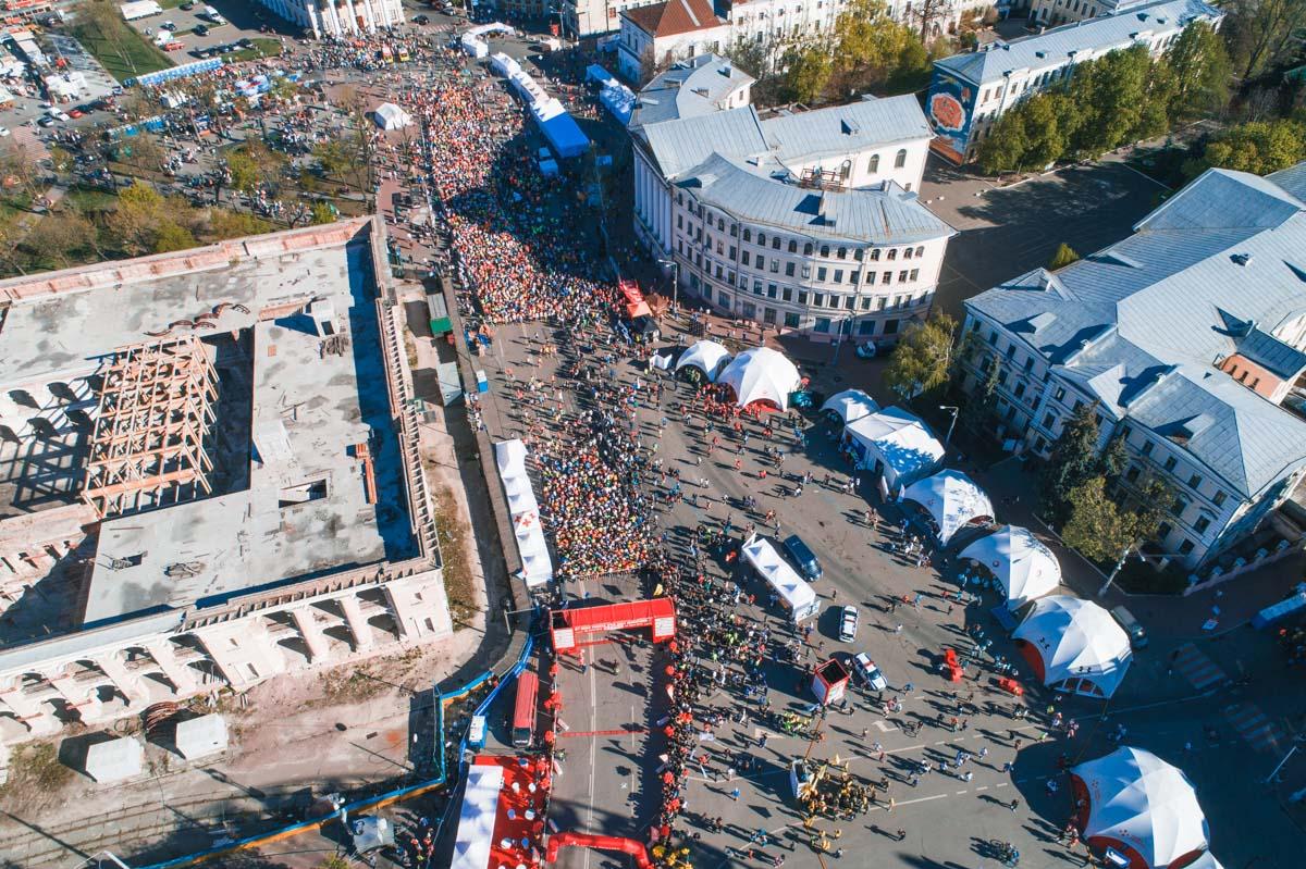 Старт и финиш - на Контрактовой площади в Киеве