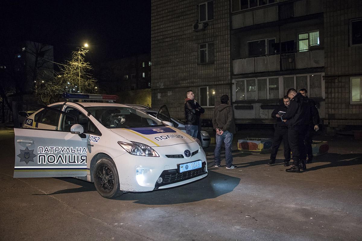 В Голосеевском районе мужчина жестоко избили и поранил свою гражданскую жену