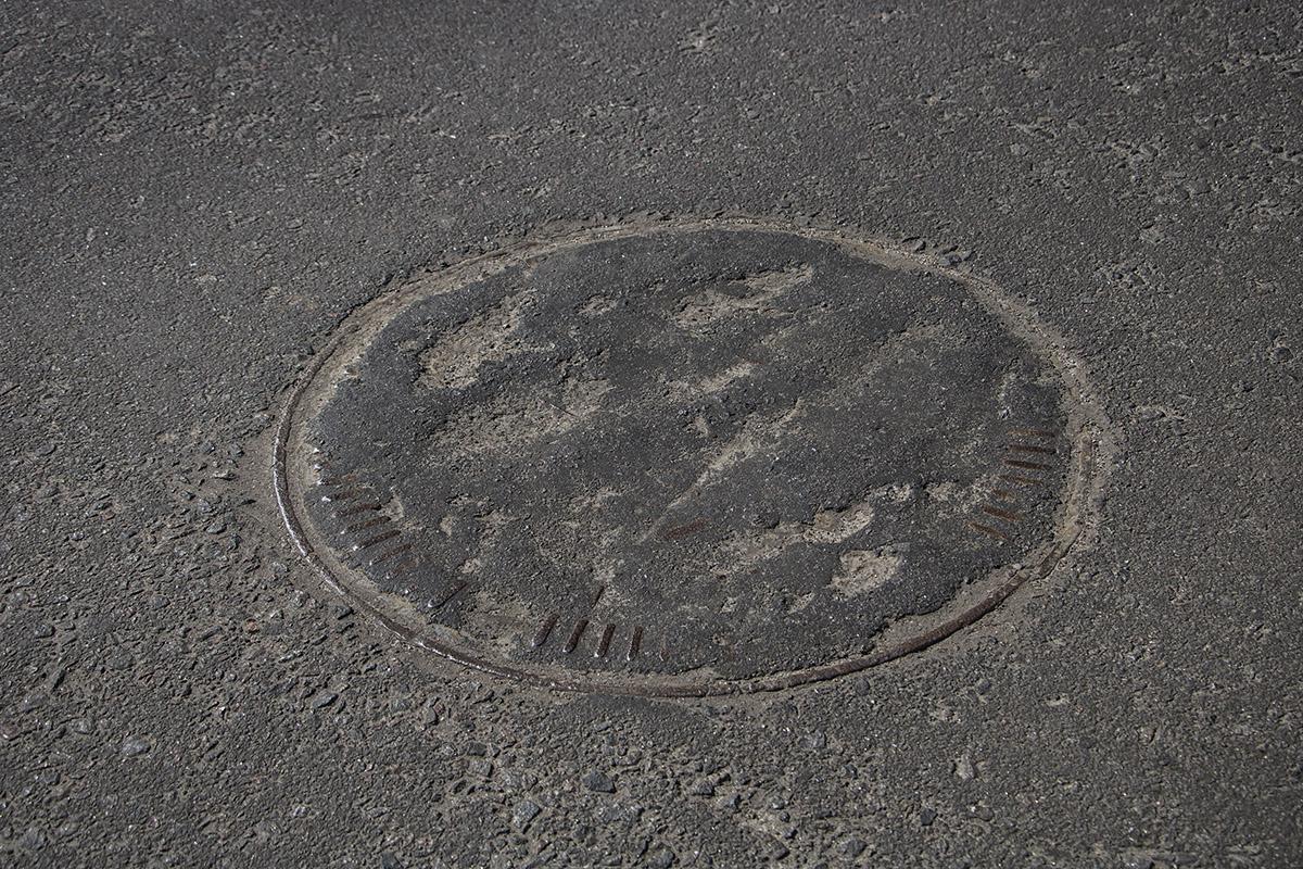 На Оболонской улице дороги в некоторых местах пока не подлатали