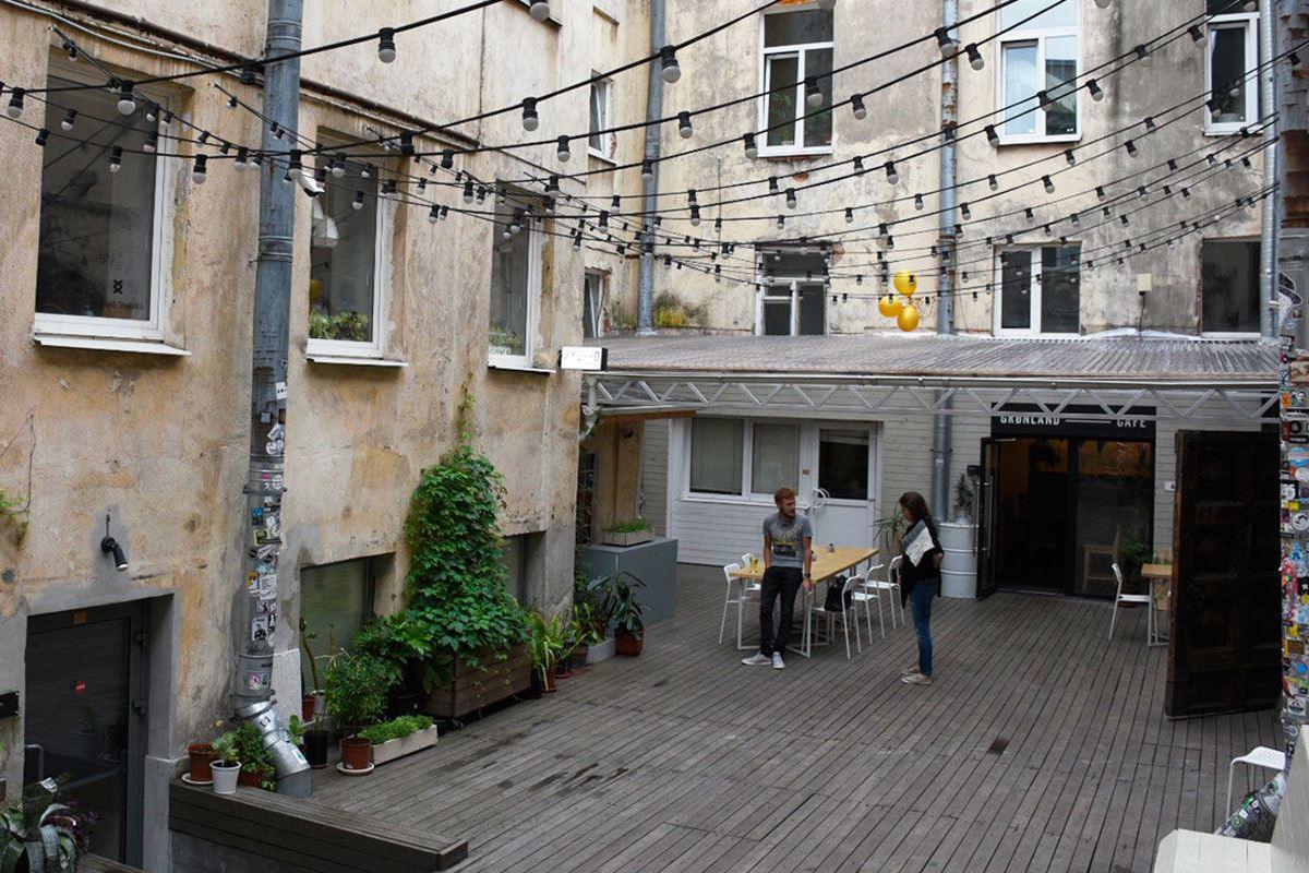 Заброшенные здания стоит превращать в арт-пространства и кафе