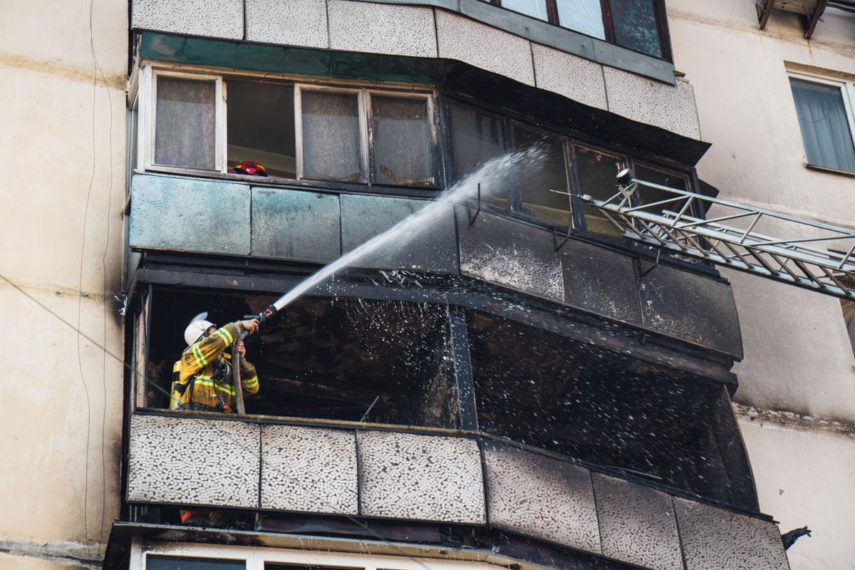 Загорелась квартира на шестом этаже