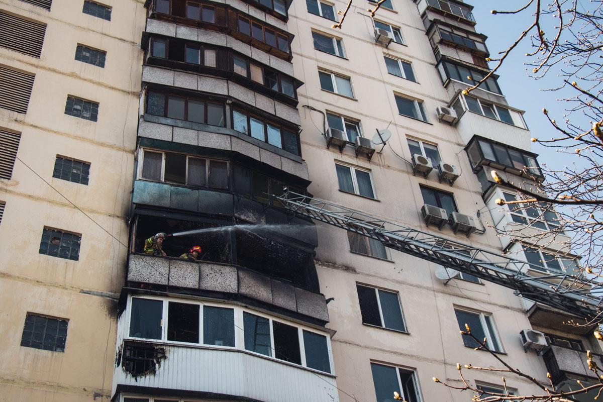 На месте работали четыре единицы пожарно-спасательной техники