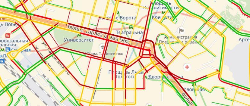 Пробки в центре Киева достигли 7 баллов