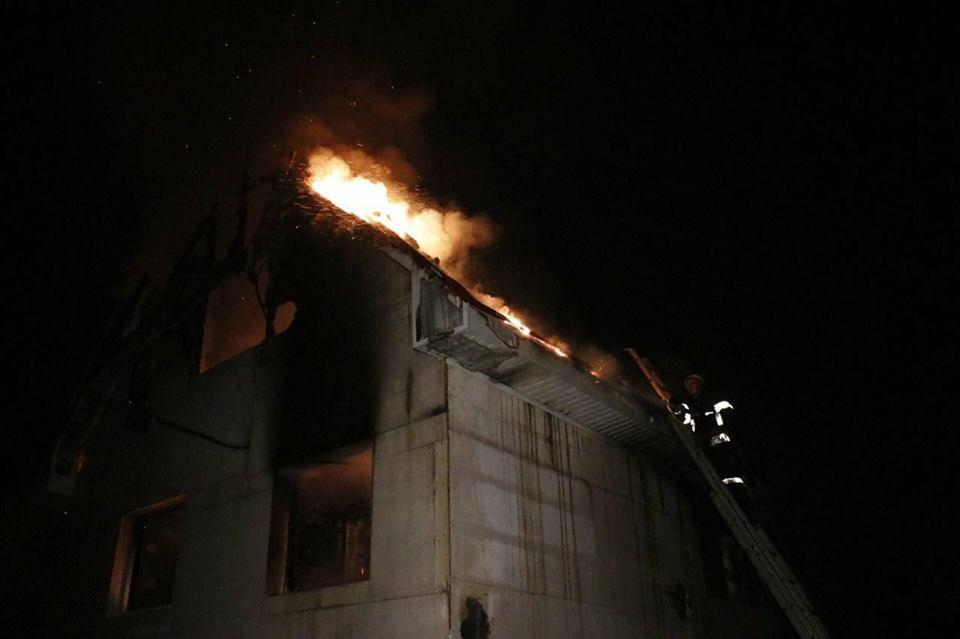 Огонь охватил около 30 квадратных метров