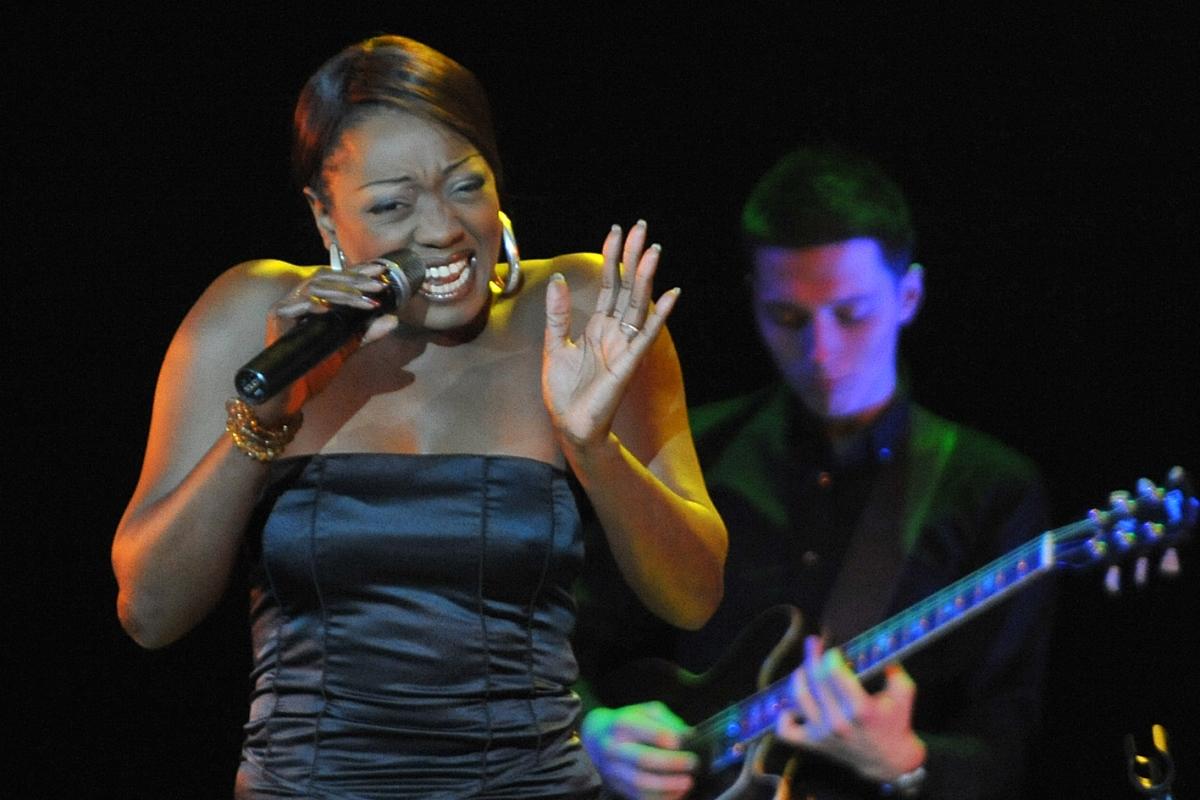 Shanna Waterstown исполнительница блюза